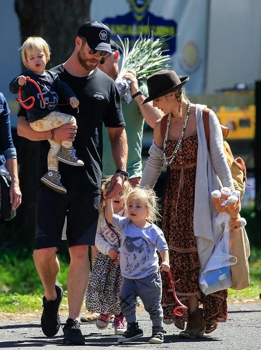 Elsa a Chris spolu mají tři děti.