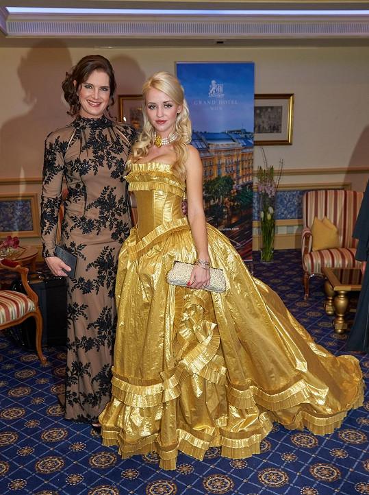 Brooke Shields se zvěčnila i s Lugnerovou manželkou Cathy.