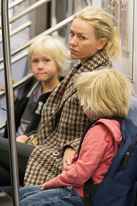 Naomi Watts se svými dětmi