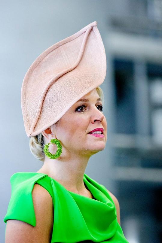 Co vám tento originální klobouk připomíná?