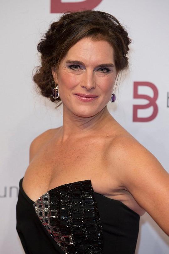 Z Brooke Shields je stárnoucí dáma.