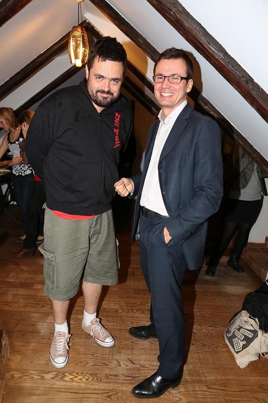 Pavel a šéf zelených Ondřej Liška na párty k otevření veganské restaurace v centru Prahy.