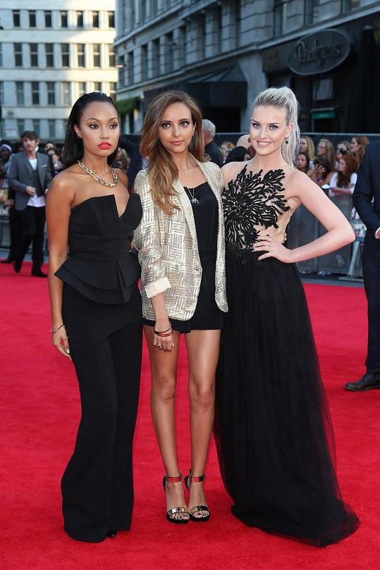Perrie (vpravo) s kamarádkami z Little Mix