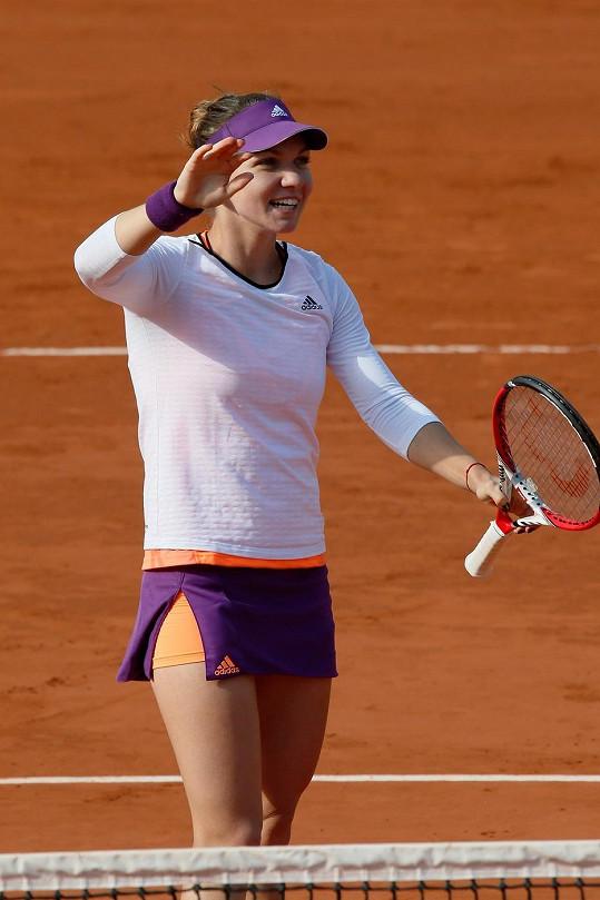 Drobnější hrudník je pro tenistku mnohem praktičtější.