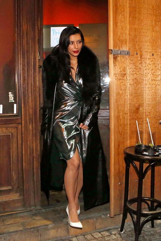 Takhle se Kim předvedla v pražském klubu.