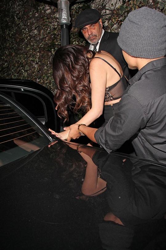 Selena chvílemi měla problém s rovnováhou.