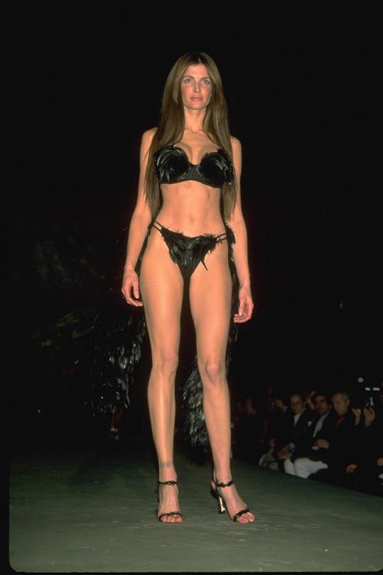 Stephanie v roce 1999.