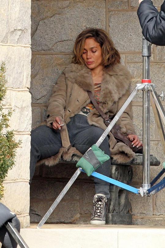 Jennifer zmohla únava.