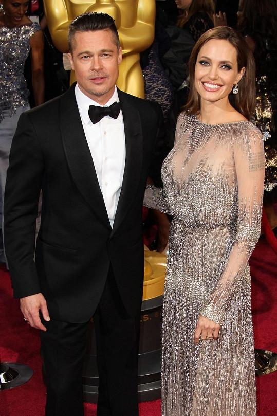 Brad Pitt s Angelinou Jolie na letošních Oscarech
