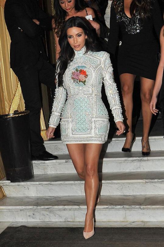 Kim Kardashian opět potvrdila svůj nevkus.