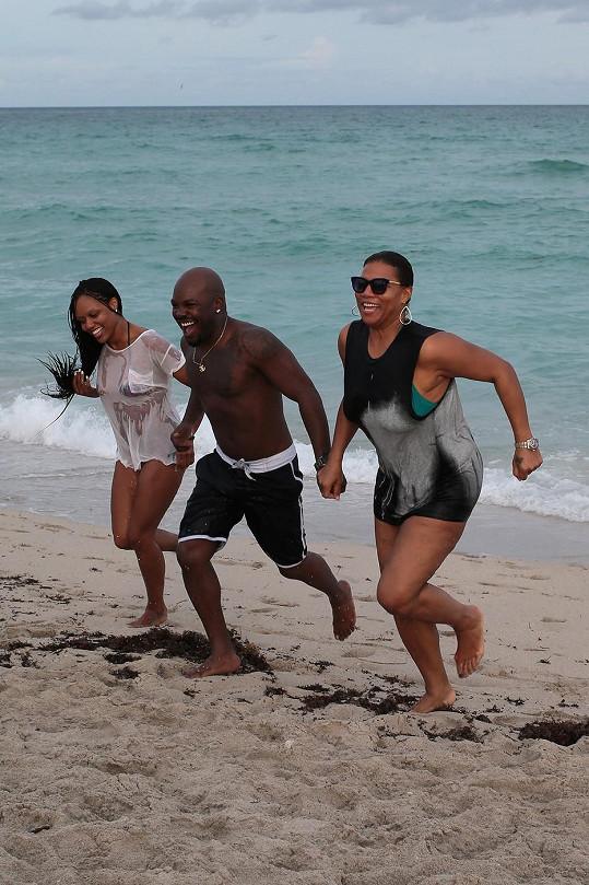 Zpěvačka a herečka zůstala na Miami.