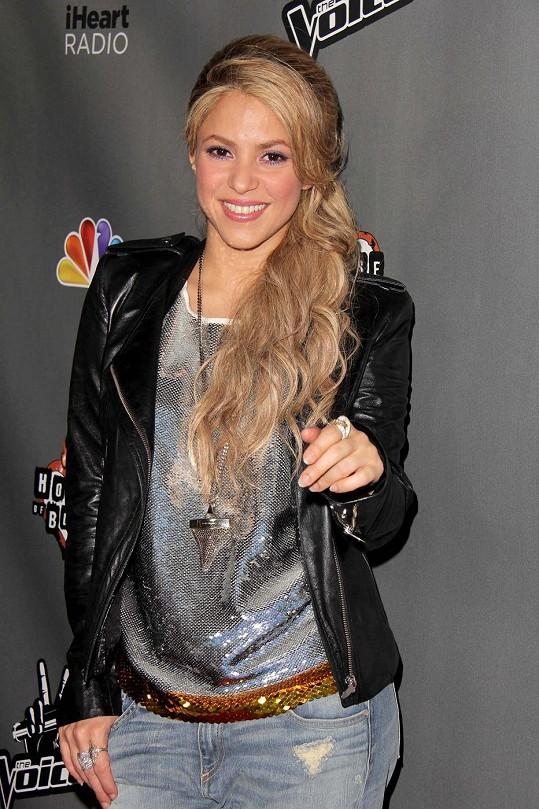 Shakira je porotkyní v pěvecké soutěži The Voice.