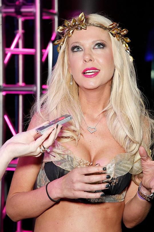 Tara Reid moderovala halloweenskou párty v Atlantic City.