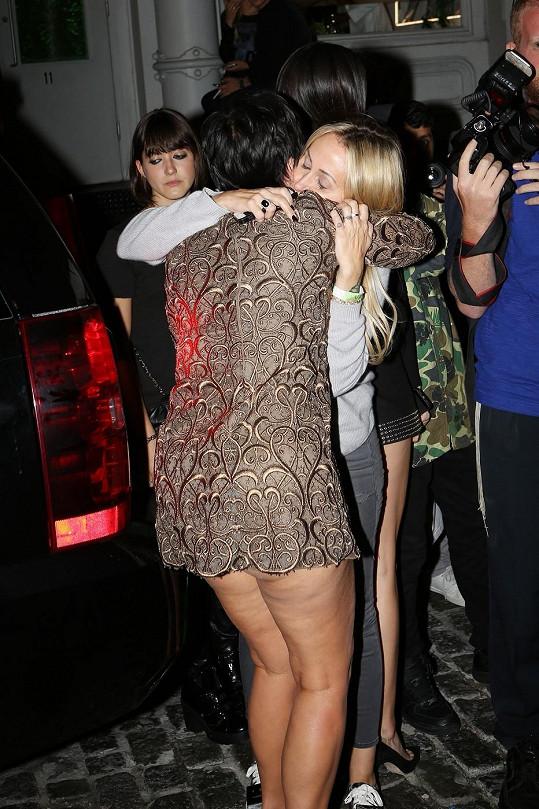 Kris se přivítala s matkou Miley Cyrus Tish.