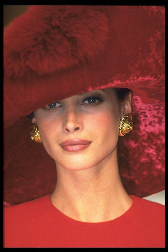 Topmodelka na přehlídce Christian Dior z roku 1993