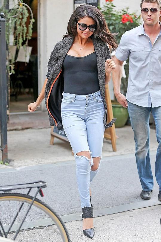 Selena Gomez se rozhodla po rozchodu trochu provokovat.