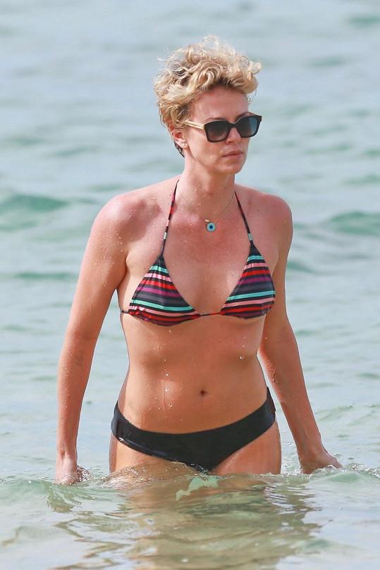 Charlize Theron na Havaji