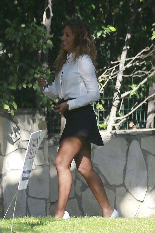 Mel B odhalila své štíhlé nohy.