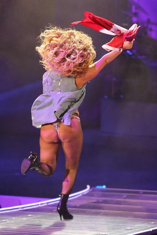 Lady Gaga ukázala celulitidu.
