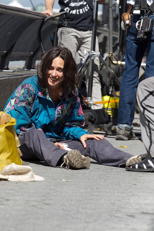 Jennifer Connelly při natáčení filmu Shelter