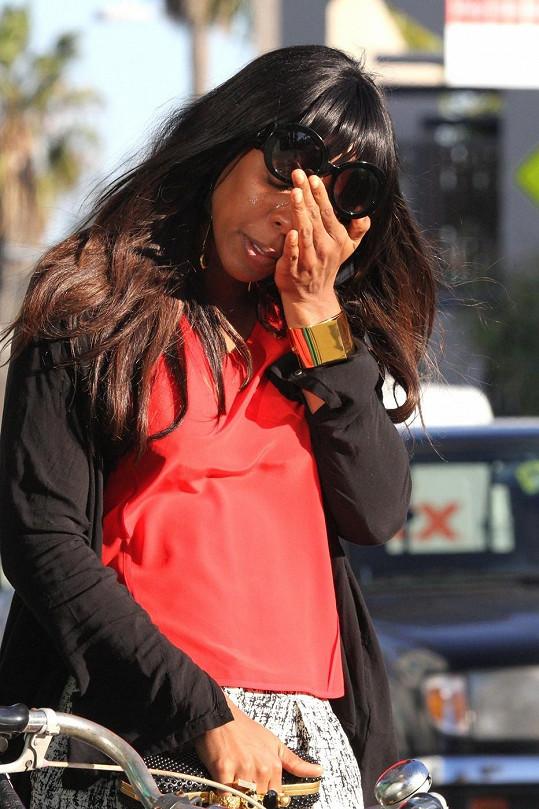 Kelly Rowland cestou z oběda s Beyoncé plakala.