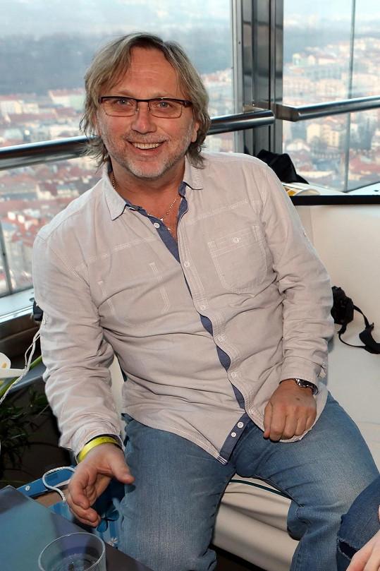Dalibor Janda rád nosí těsné džíny.