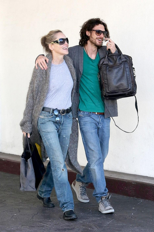 Sharon Stone s Martinem Micou v Beverly Hills.