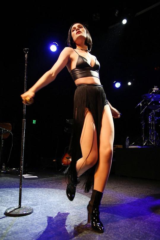 Jessie J vystupovala v losangeleském klubu.