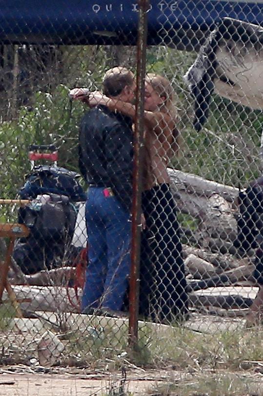 Johnny Depp s Amber Heart využili každou volnou chvilku mezi natáčením.