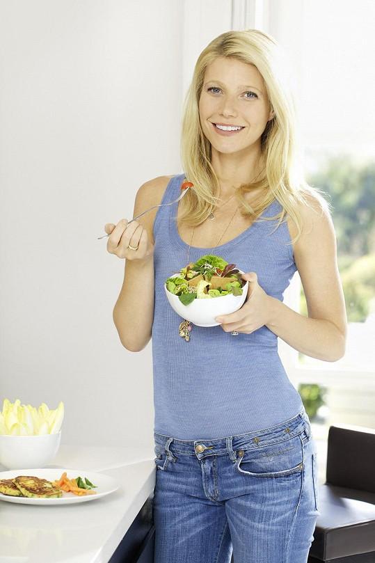 Herečka v reklamě na zdravou výživu rozhodně bujnými vnadami neoplývala.
