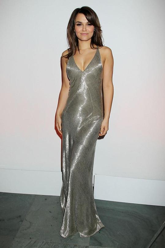 Samantha Barks je vskutku krásná žena.