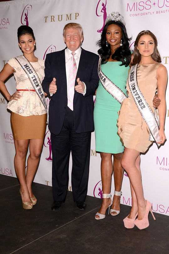 Miss USA je pořádána Donaldem Trumpem. Ten si společnost krásných dam dokáže vždy vychutnat.