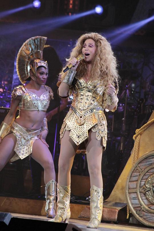 V kostýmu inspirovaném starověkým Římem připomínala Beyoncé.