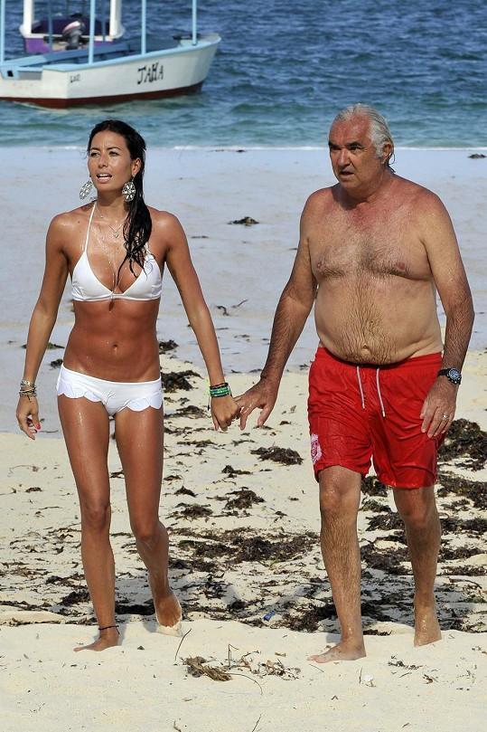 Briatore s Gregoraci na loňské dovolené v Keni. Letos jsou zde manželé ještě s jeho bývalou snoubenkou Campbell.