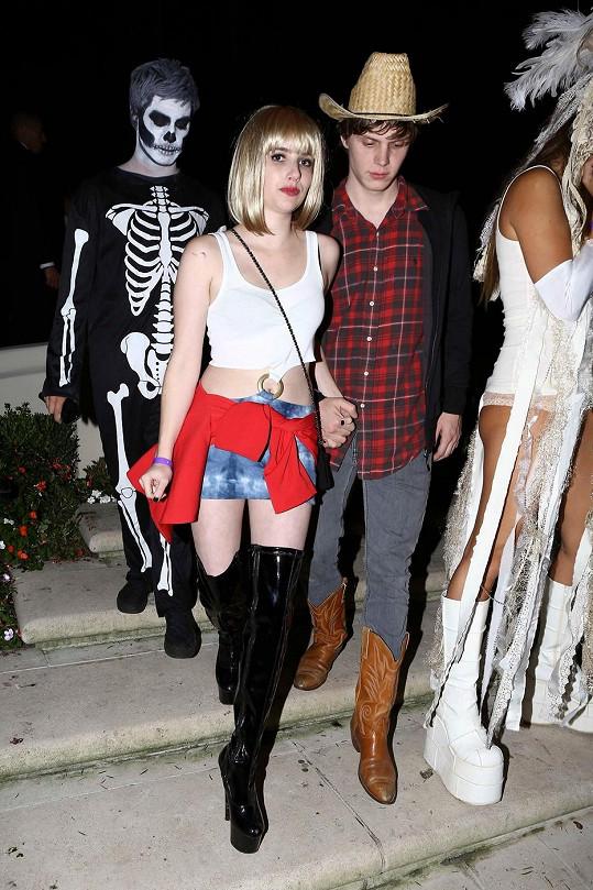 Emma s Evanem letos na Halloweena, když se převlékla za prostitutku Vivienne, kterou hrála její teta.