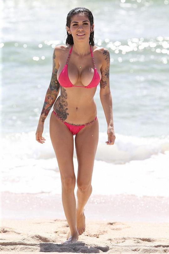 Cami Li má pro tetování slabost už dlouho.