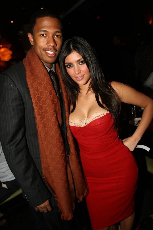 Nick měl s Kim Kardashian krátkou milostnou aférku v roce 2006.