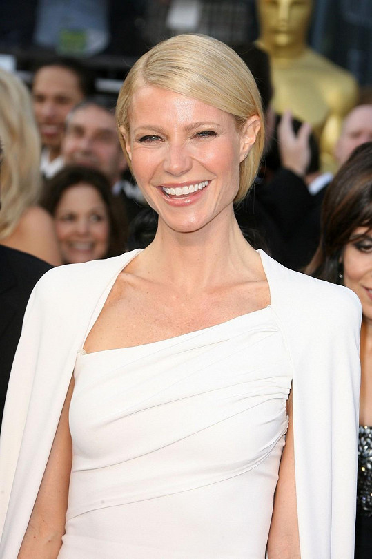 Gwyneth Paltrow byla v minulosti zasnoubena s Bradem Pittem.