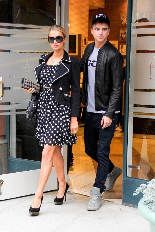 Paris Hilton a River Viiperi při cestě ze salónu krásy.