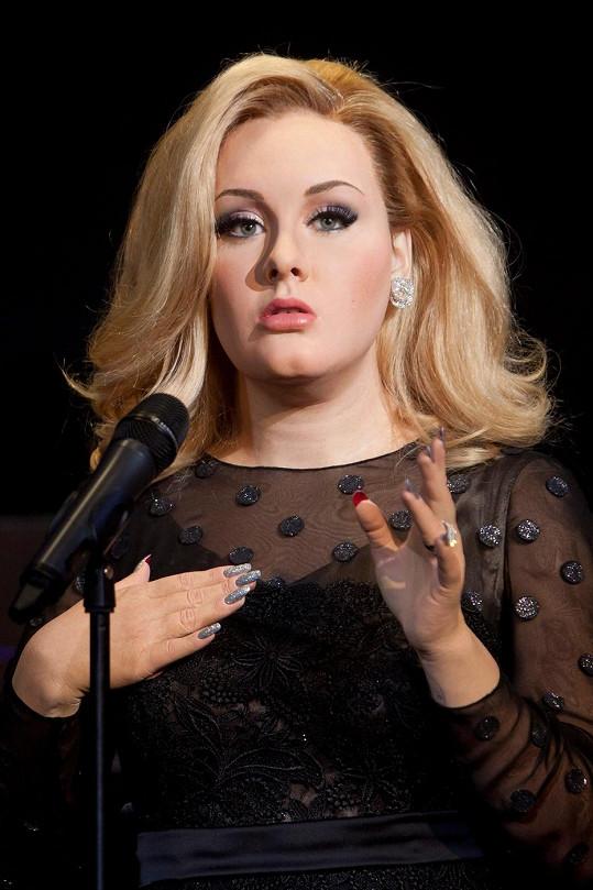 Vosková zpěvačka v muzeu Madame Tussauds.