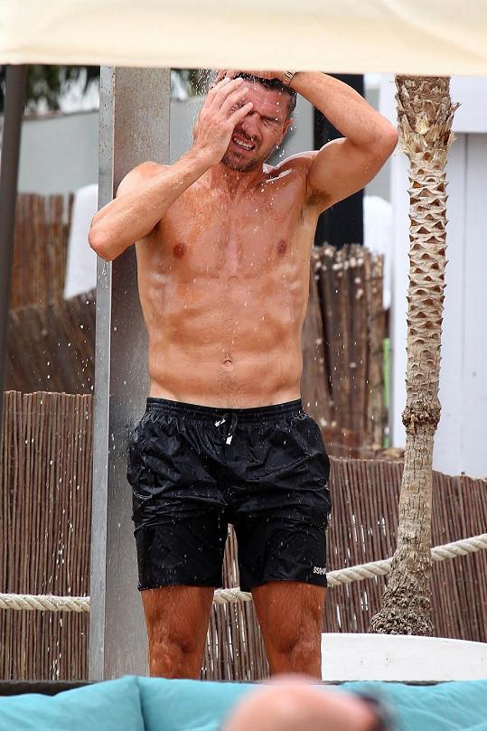 Gerrard se může pochlubit vysportovanou postavou.