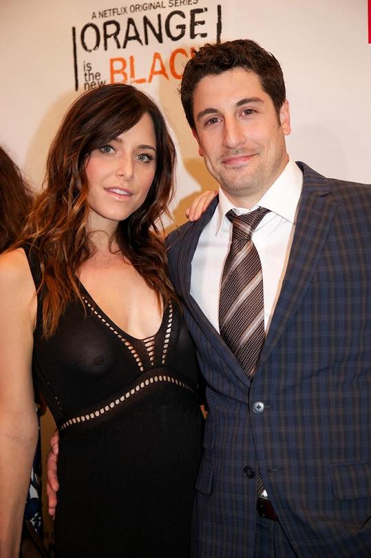 Jason Biggs s manželkou Jenny Mollen