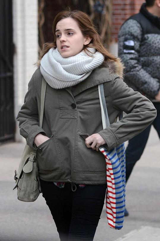 Britská herečka se momentálně soustředí na studium.