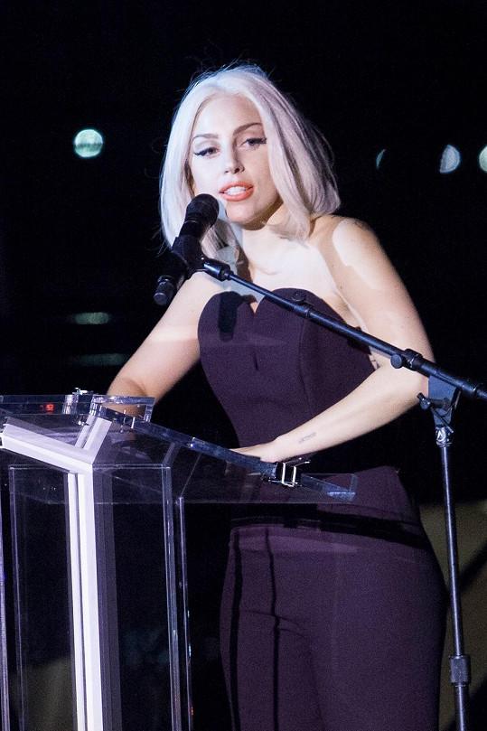 Krásná a elegantní Lady Gaga na New York Gay Pride.