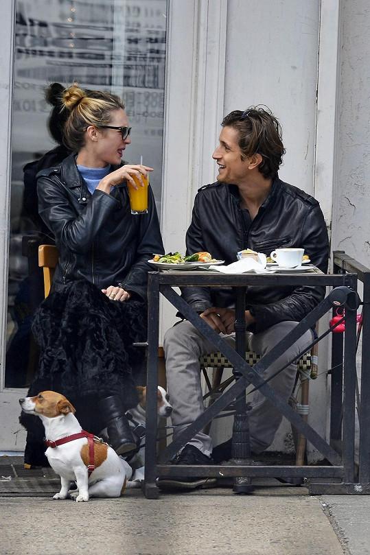 Candice s přítelem Hermannem randí od svých sedmnácti let.