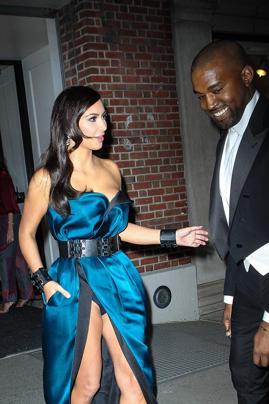 Kanye si vedl svou nastávající na galavečer do Metropolitního muzea umění v New Yorku.