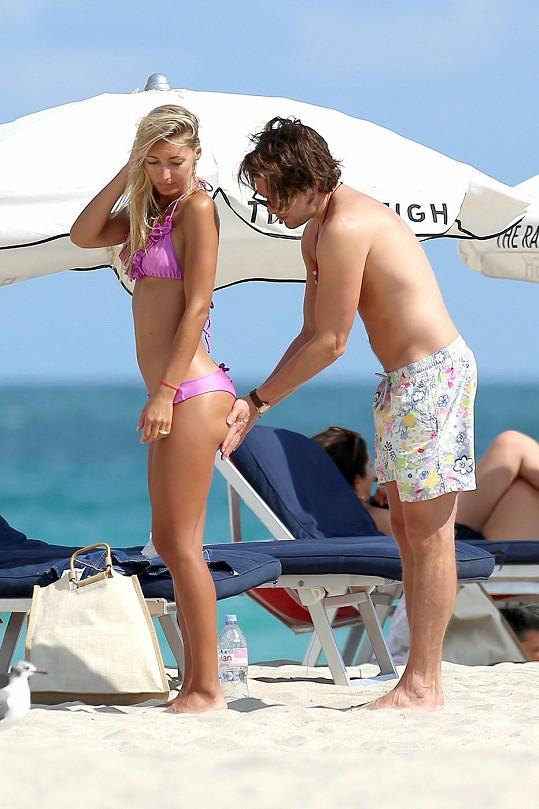 Modelka Petra Beňová v Miami s přítelem Charlesem Goodem.
