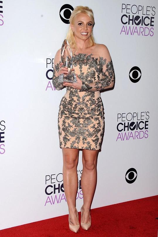 Britney Spears zhubla, ale nedokázala své přednosti prodat.
