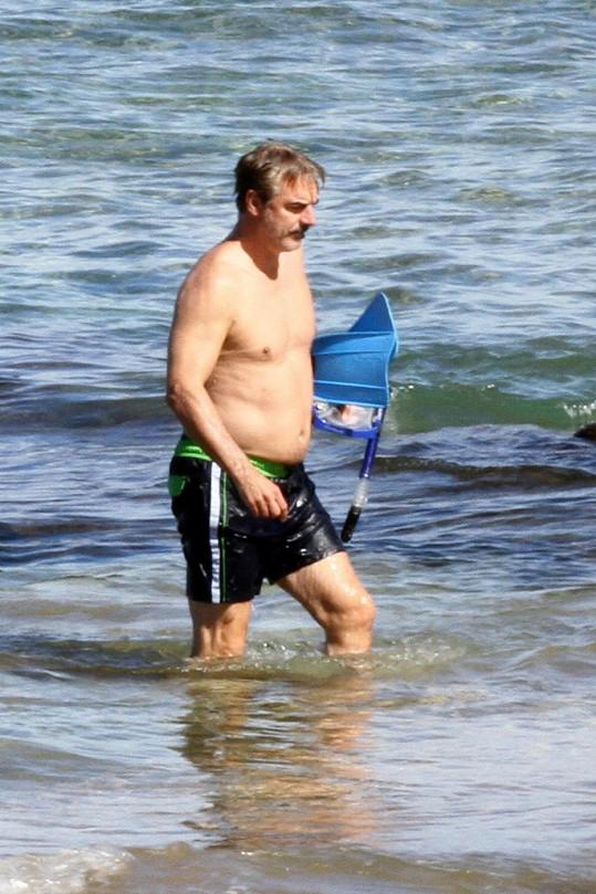 Chris Noth šnorchloval na ostrově Maui.