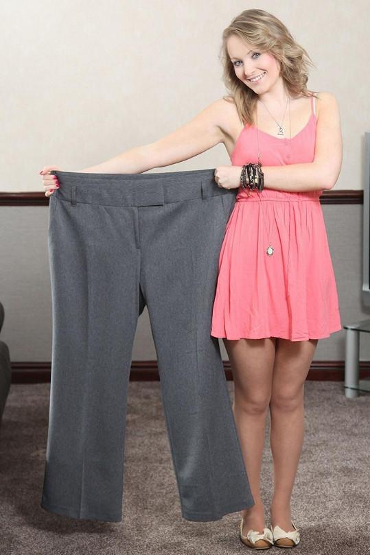 Emma a její dřívější kalhoty.